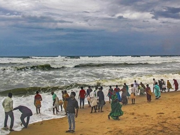 IMD reviews preparedness, plan for cyclone season October-December