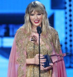 american music awards taylor swift 2020
