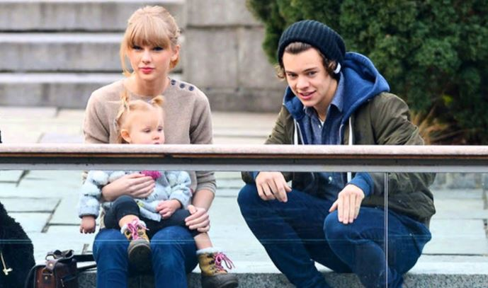 Taylor swift with kid